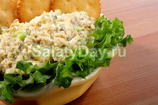 салат с кальмарами грибами и морковью слоями рецепты