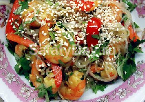 Салат с фунчозой и креветками по-корейски