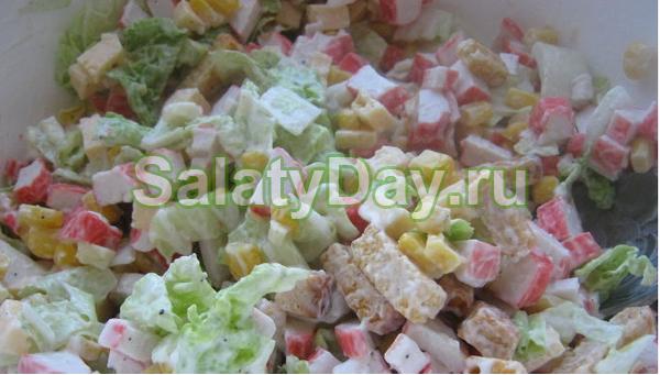 """Быстрый и вкусный салат с сухариками """"Моментальный"""""""