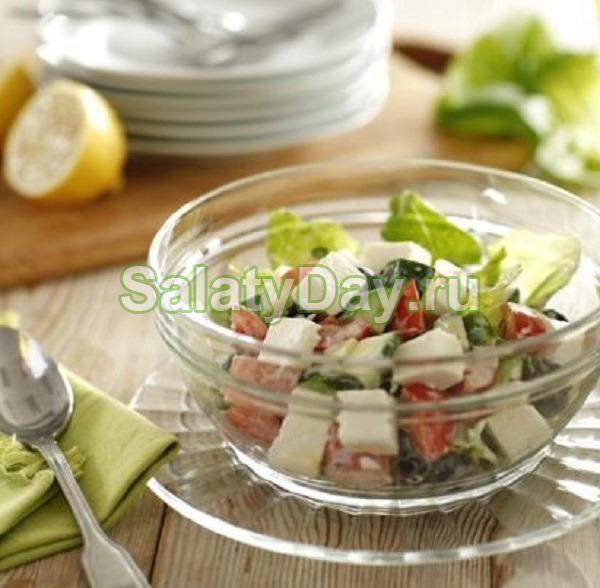 Греческий салат с фетаксой и майонезом