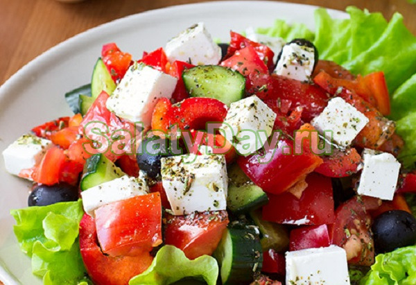 Салат «Греческий» с пряной заправкой и сыром фетакса