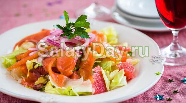 Нежный салат из красной рыбы и цитрусов