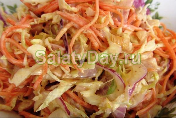 Салат с жареной картошкой соломкой