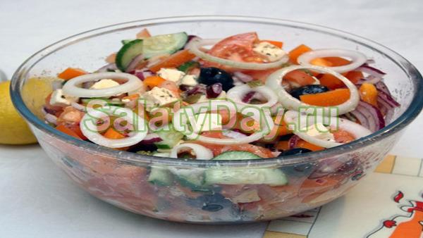 Салат с жареной картошкой соломкой креветки