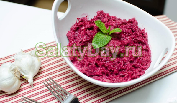 Салат со свеклой и сыром - классика жанра