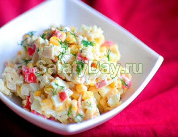 Салат с кальмарами и кукурузой, крабовыми палочками