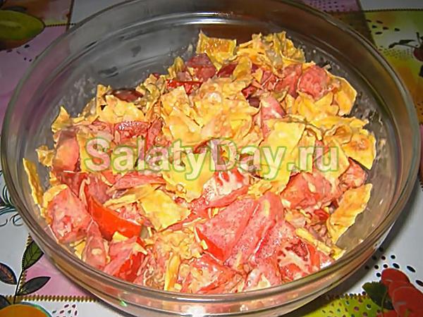 Сырный салат из блинчиков