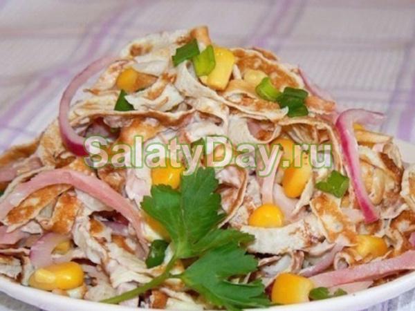 Салат из блинчиков с кукурузой