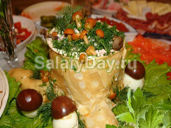 Картофельный салат из блинчиков