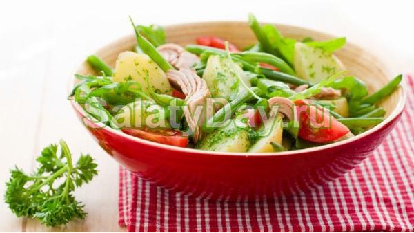 Теплый салат с тунцом и картофелем