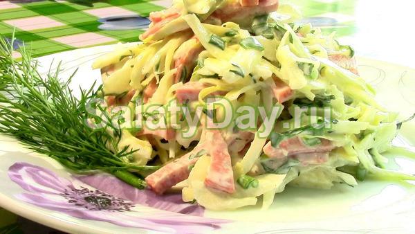 «Праздничный» салат с пекинской капустой
