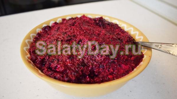 Классический салат из свеклы