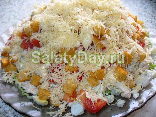 Салат Сугроб с курицей и сухариками