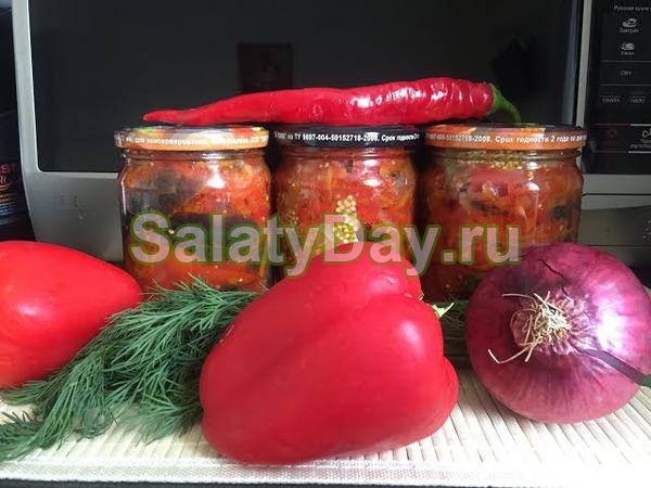 Салат из сладкого перца с добавлением моркови на зиму - прекрасное, популярное лечо