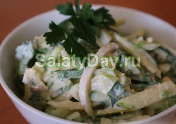 Салат с кальмарами, огурцами и яйцами