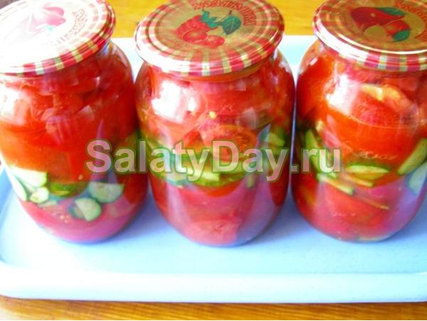 Cалат из помидоров и огурцов - классический рецепт с луком