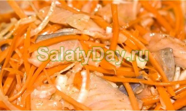 Хе из горбуши с корейской морковью - блюдо для любителей острой, ароматной пищи