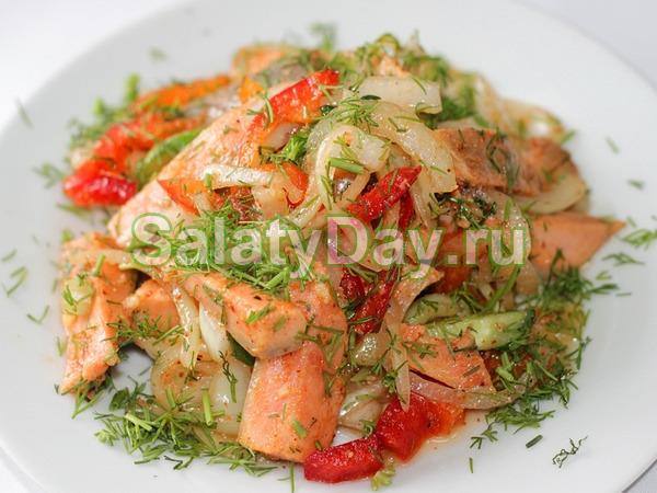 Хе из горбуши с овощами и острым перцем - блюдо для любителей острого