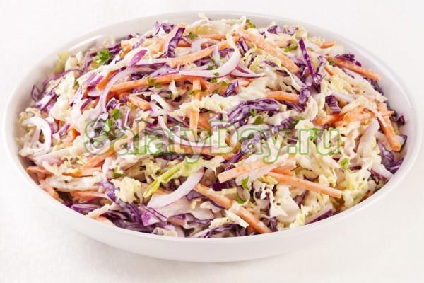 Салат с фиолетовой капустой и курицей