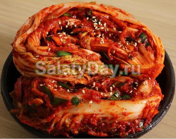 Традиционное корейское кимчи с пекинской капустой