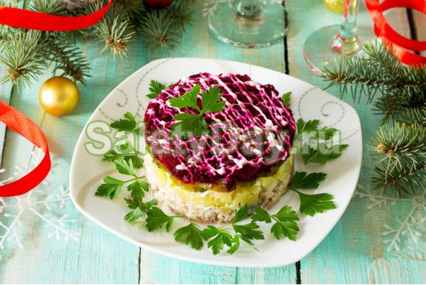 Простой салат из вареных овощей «Овощной торт»