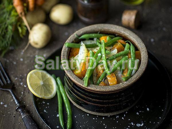 Салат из вареных овощей и стручковой фасоли