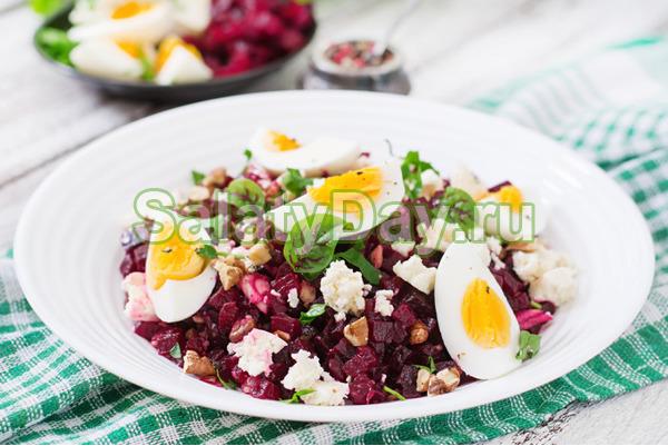 Салат из вареных зимних овощей с яйцами и фасолью
