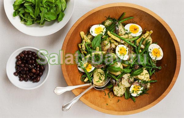 Французский салат из отварного картофеля и зеленой фасоли