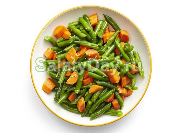Салат из вареной моркови и фасоли под медовой заправкой