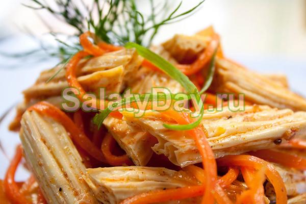 Простой салат из моркови спаржи по-корейски