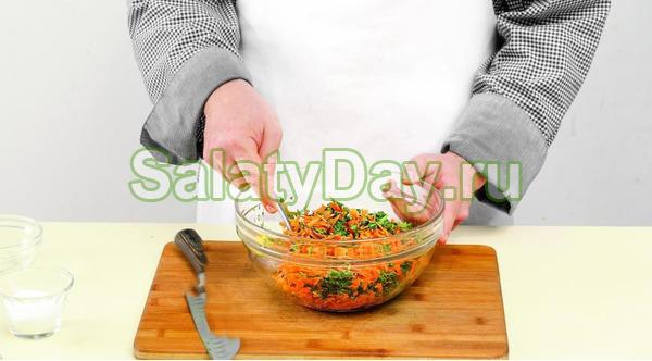 Салат из свежей моркови с лимонным соком