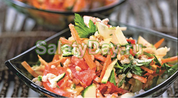 Салат с творогом и гречкой