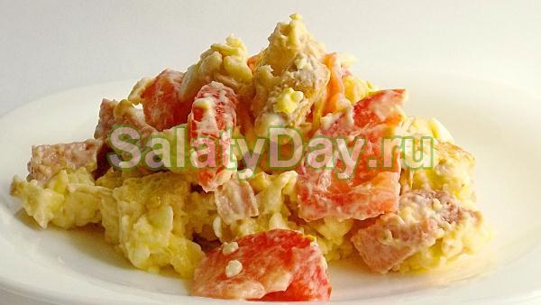 Салат с колбасным сыром и говядиной