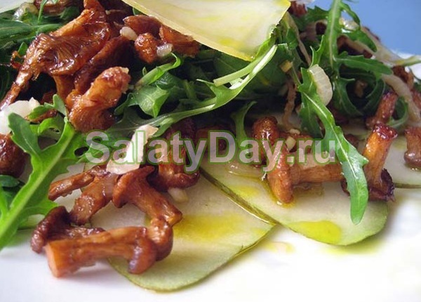 Простой салат из лисичек