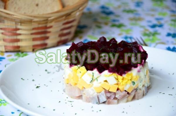 Салат из сельди «Рыба под утепленной сырной шубкой»