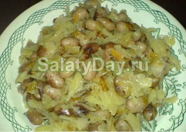 Салат с фасолью консервированной и сельдью