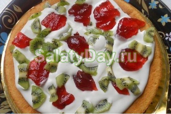 Фруктовый салат с клубникой и киви