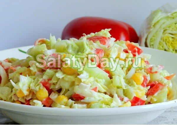 Салат крабовый с кукурузой с пекинской капустой