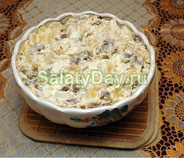 Салат с маринованными шампиньонами с картофелем