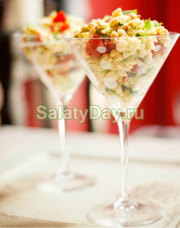 Салат коктейль с ветчиной и сыром «Новогодний»