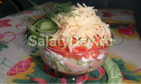 Салат коктейль с ветчиной и сыром «Кефирный»