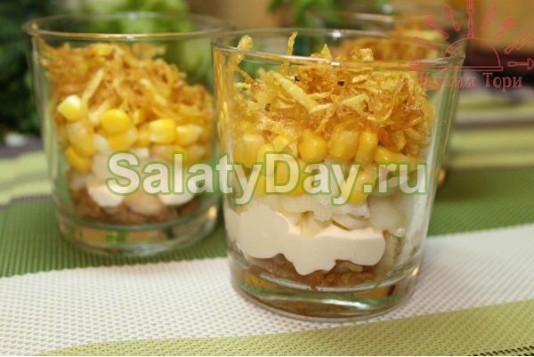 Салат коктейль с ветчиной и сыром «Картофельный парад»