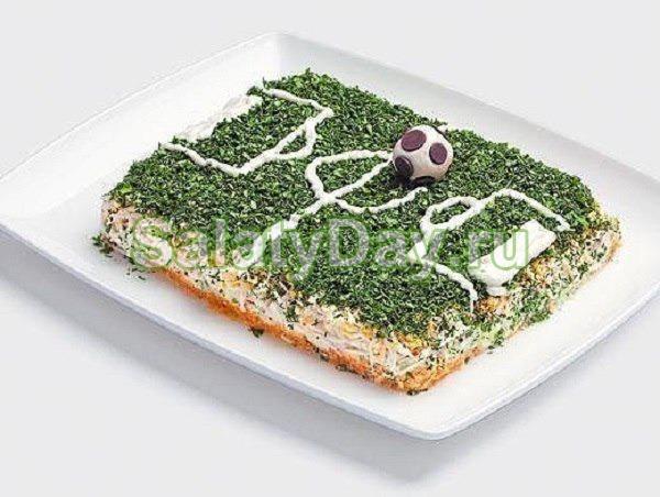 Детский салат «Футбольное поле»