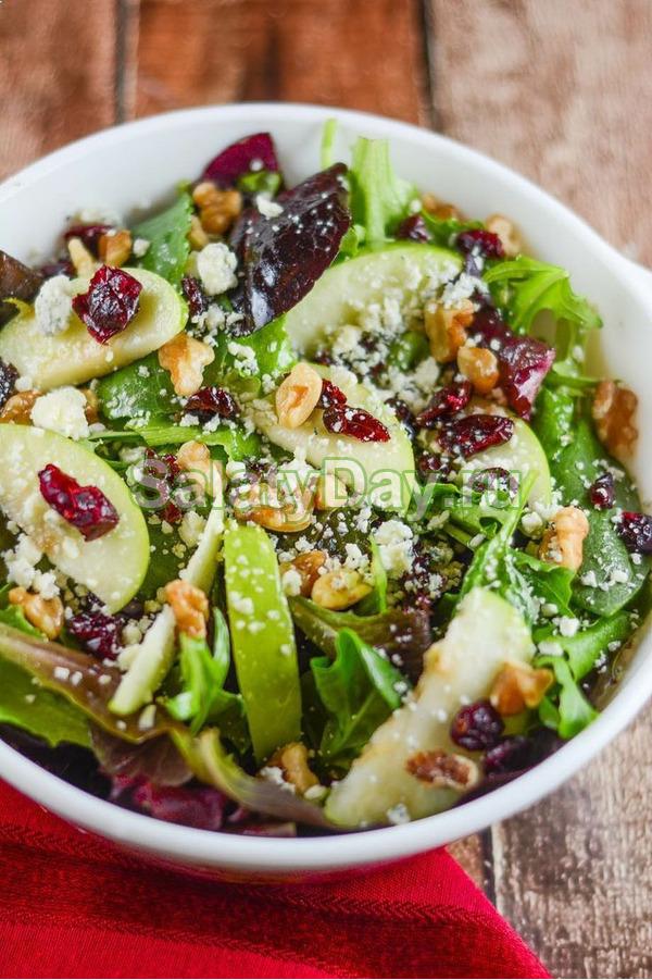 Необычный салат из брокколи