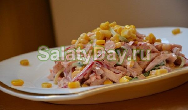Салат фасоли копченым мясом