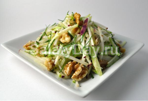 Салат из черной редьки с орехами