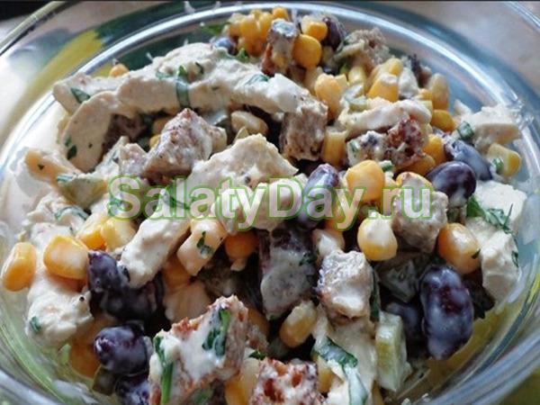 салат из кукурузы колбасы и фасоли