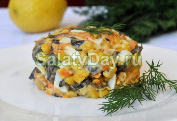 Жареный салат с кукурузой