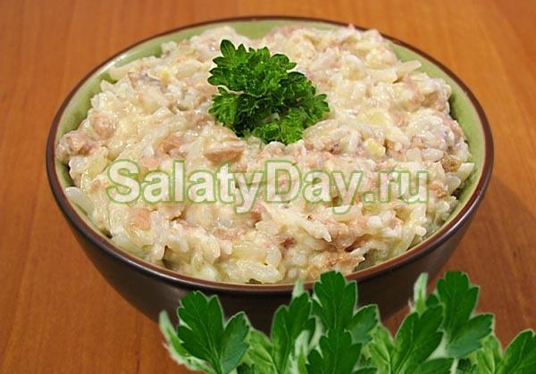 Салат из говяжьей печени с рисом