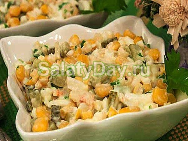 Салат из говяжьей печени с кукурузой
